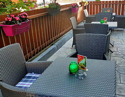 Terrasse Pension Augsburg 1